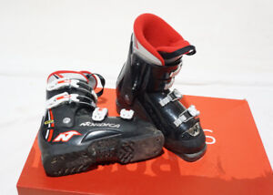 NORDICA KIDS SKI BOOTS GPTJ SIZE 23 23.5 GOOD FOR 8 AND UP YEARS