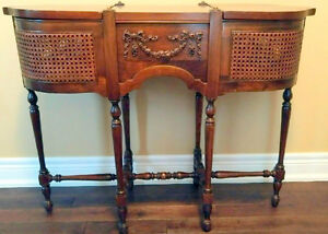EXTREMELY RARE ANTIQUE Wood & Wicker Fern Table. A Classic!!!