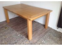 M&S sonoma extending solid oak dining room table and chairs (6)