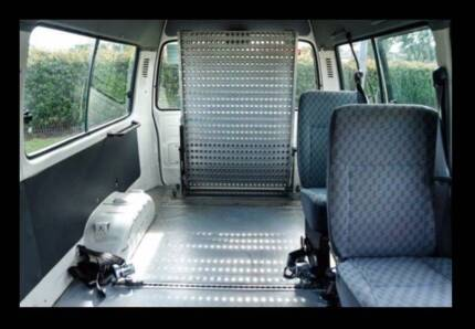 CAR SEATS Toyota HiAce 2004