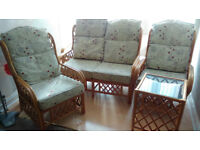 2 seater settee, 2 armchairs 1 small side table