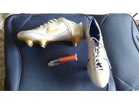 R9 Ronaldo nike football boots