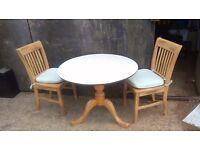 PEDESTAL DINING OR KITCHEN TABLE WITH 2 CHAIRS. CHUNKY PINE PEDESTAL. IDEAL SHABBY CHIC PROJECT