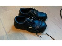 work safety shoes / grip, slip resistant shoes SIZE 4