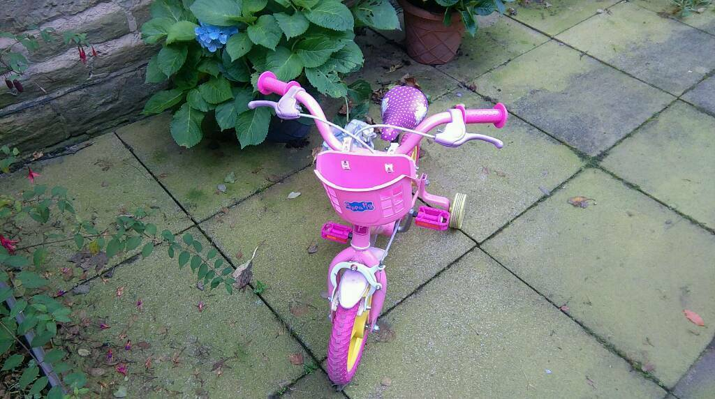 Peppa pig bike for a kid