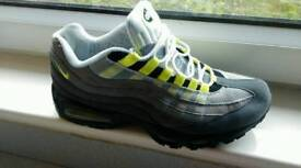 BRAND NEW NIKE AIR MAX 97 SIZE 10