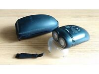 PHILIPS CORDLESS COMPACT SHAVER - PERFECT FOR EVERYDAY USE OR TRAVELLING