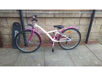 Girls bike . Suit 8-12 years. like new £65.00