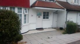 Studio flat with garden at Hendon ( Supper Large )
