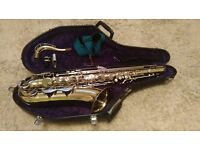 BE QUICK!! B&H 400 Saxophone with case and two straps