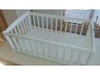 Baby's Cream Swinging Crib