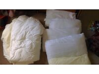 King Size Duvet and 5 pillows - Used suitabke for dogs for similar