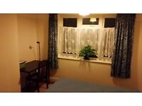 Spacious freshly decorated, quite double room for 1 person with nice garden £120 pw NO COUPLES
