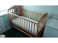 Mamas and papas cot (and mattress)