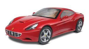 Revell-Monogram-1-24-Ferrari-California-4925