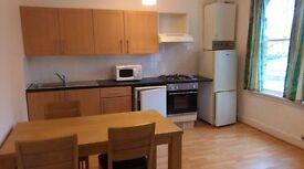 Poplar, very spacious self-contained flat, 2 double bedrooms close to DLR