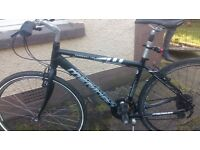Hybrid bike for sale great condition light weight and really fast and comfortible 48cm
