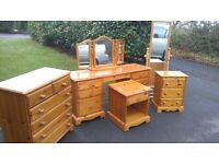 SOLID PINE BEDROOM SET.DRESSING TABLE, D/TABLE MIRROR/CHEVAL MIRROR & ONE DRAWER CHEST
