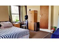 Abingdon Road, Furnished Studio flat available 22/10 to single prof/ mature student - Excl Electric