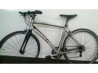 Super Lightweight GIANT Hybrid Bike RRP £949.00 INCLUDES NEW LEDs
