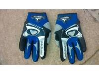 Radsail Eolo Gloves - medium in size