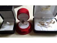 18ct gold 2 rings, earrings, necklace & pendant ruby & diamonds 8g, fully hallmarked Quick sale £650