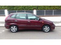 Nissan Almera tino sve top of the range full mot