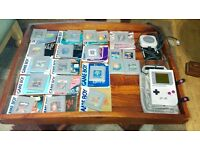 Handheld Nintendo Gameboy Console with 21 x Games (STEAL)