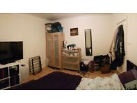 Large unfurnished double room in Shirley house share