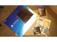 Playstation 4 PS4 500GB CONSOLE NEW & SEALED BLACK + fallout 4 with book and soundtracks