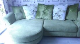 GREEN SETTEE ONLY 3yrs old and used by 1 person. Need gone before sofa bed delivered