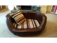 BRAND NEW PACKAGED REAL LEATHER DOG BED WALLACE AND JONES BROWN STRIPED DOG PET ANIMAL SOFA BED
