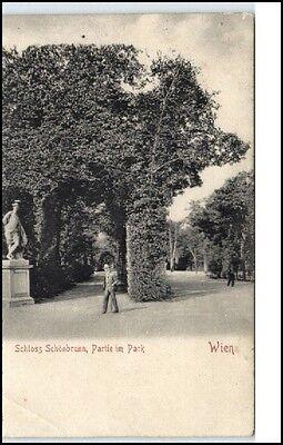 WIEN ~1900 Schloss Schönbrunn Partie im Park Mann vor Denkmal Österreich Austria