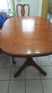 Beautiful Solid Oak Dining Room Table with Chairs