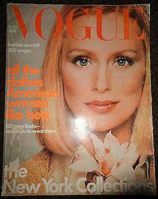 Vitg Vogue 1975 Lauren Hutton Beverly Johnson Lisa Taylor Irving Penn Chanel ad