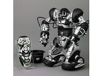 Robosapien chrome remote controllable robot