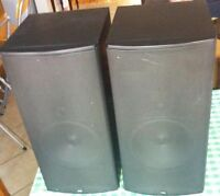 Boston Acoustics CR9 compact reference speakers RARE .. classic