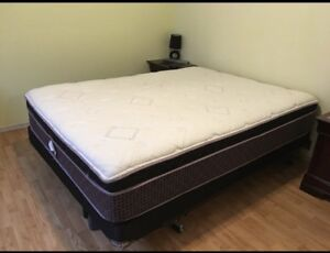 Queen sized mattress and boxspring