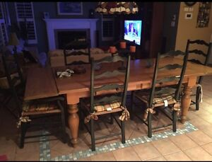 Custom made Maple wood Dinning room table West Island Greater Montréal image 1