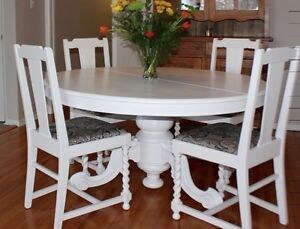 Tilt Top Table with 4 chairs