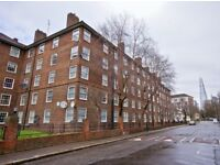 PERFECT FOR STUDENTS! THREE DOUBLE BEDROOM FLAT WITH SEPARATE LOUNGE AVAIL LATE AUGUST ONLY £460 PW