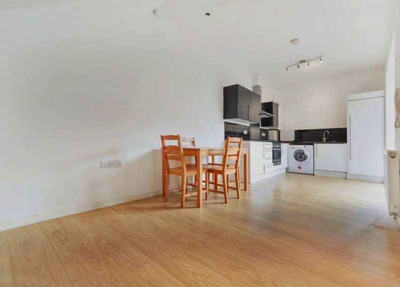 PRICE DROP: Modern 2 bedroom house for an amazing price of £375pw