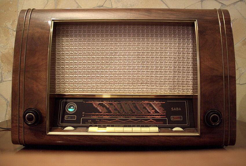 was ist beim kauf eines gebrauchten saba radios zu. Black Bedroom Furniture Sets. Home Design Ideas