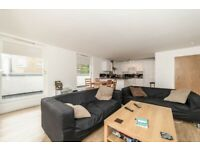 Amazing 3 Bed in Oval - Very Spacious - MUST SEE!