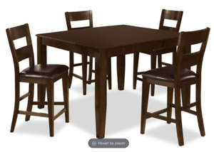 Beautiful 5 piece dining set in excellent condition