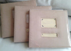 Lot de trois albums de scrapbooking (45 pages au total)
