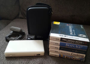White Nintendo DSlite with games
