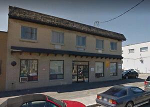Office for rent/Bureau à louer