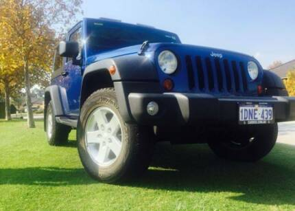 2010 Jeep Wrangler Sport **12 MONTH WARRANTY**