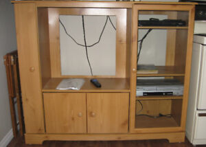 Entertainment Unit in Blind Bay, BC